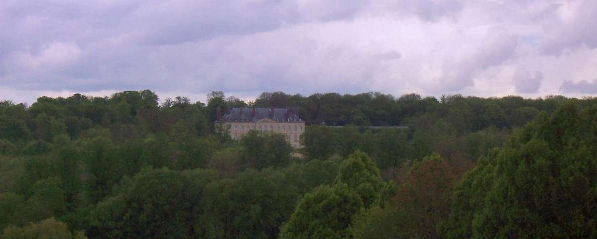 Villarceaux - Chateau du Haut (from 4th Green) (2)