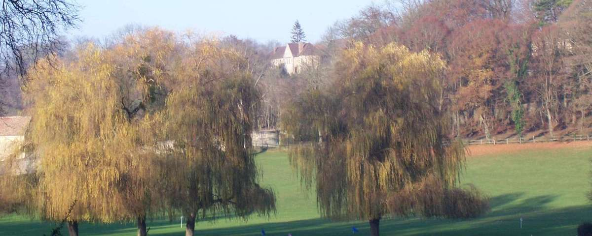 Villarceaux - Across practice grounds towards the Domaine (2)