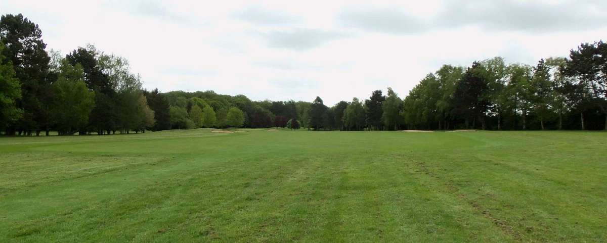 Villarceaux - 6th Hole from Red Tees